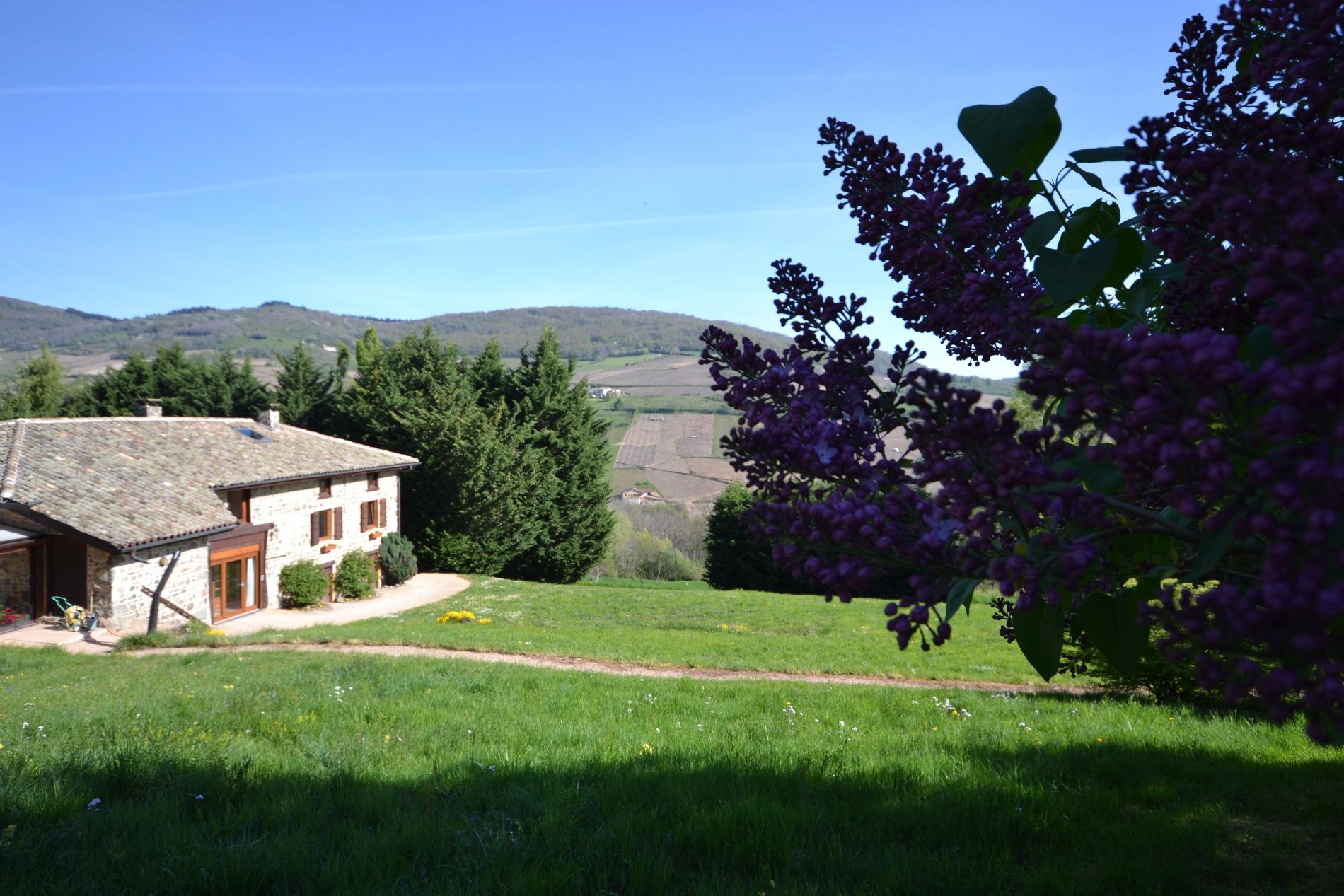 Vente nord lyon beaujolais maison en pierre batiments for Acheter maison beaujolais