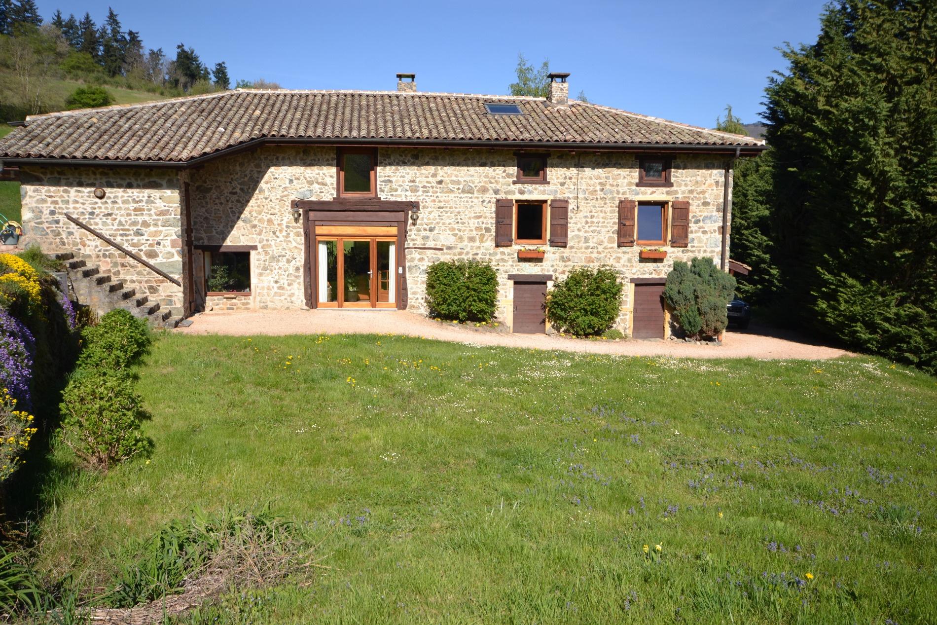 Vente nord lyon beaujolais maison en pierre batiments for Annexe maison prix