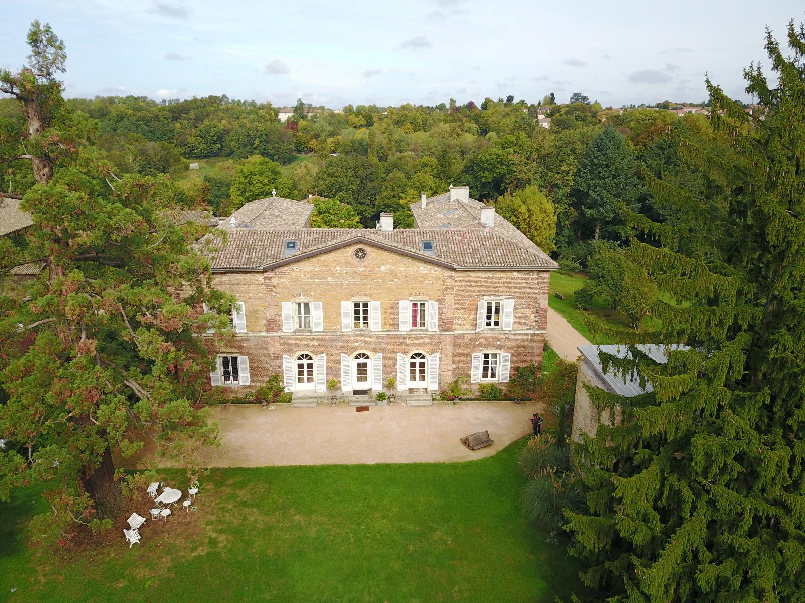 Cabinet robert dumas l 39 immobilier prestige dans le for Acheter maison beaujolais
